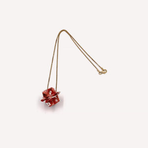 17-Colliers-Red-flowers-chaine-or