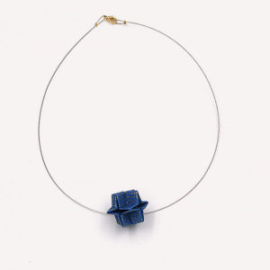 20-Colliers-Blue-cable-or
