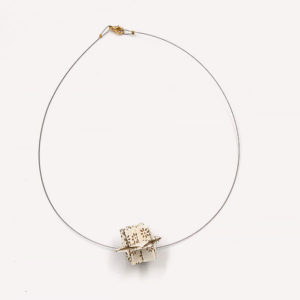 8-Colliers-Gold-flowers-cable-or